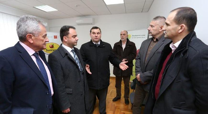 Izaslanstvo Osječko-baranjske županije posjetilo Distributivni centar