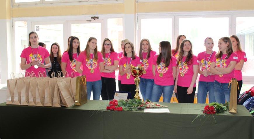 Rukometašice Srednje škole Ivan Švear sudionice Svjetskog prvenstva u Dohi
