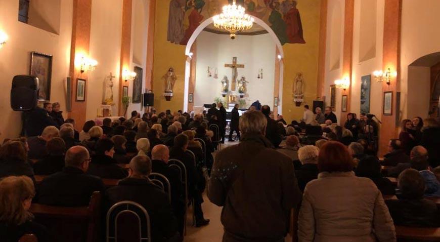 Tamburaši po 27. puta zasvirali u crkvi u Kravarskom
