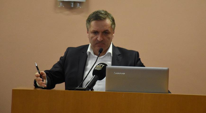 Msgr. Ladislav Loina dobio Park u Lukavcu, SDP tražio skidanje te točke s dnevnog reda