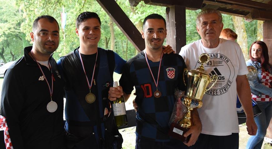 FOTO: Ante Glasnović pobjednik Memorijala strijelaca u Lukavcu