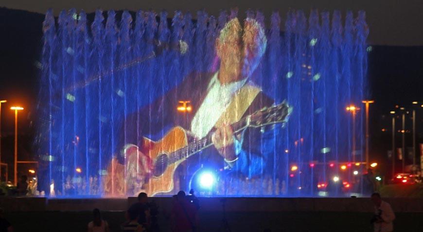VIDEO: Zagreb se od Olivera oprostio na fontanama