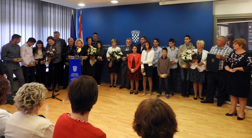 Ivanu Bucini nagrada za izuzetne uspjehe ostvarene u promicanju i obavljanju udomiteljstva