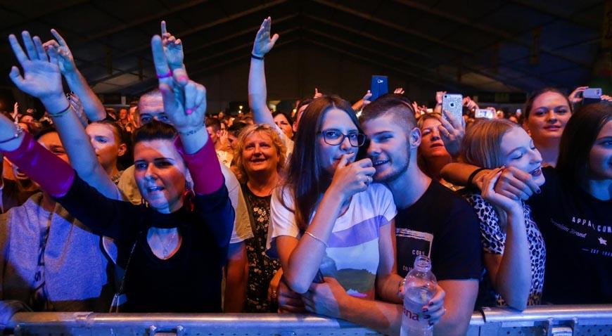 FOTO: Halid Bešlić i Haris Džinović otvorili Rujanfest