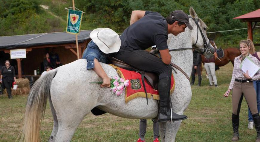 Više od 100 konjanika i 20 konjskih zaprega na 3. Međunarodnoj svetoivanjskoj konjičkoj reviji