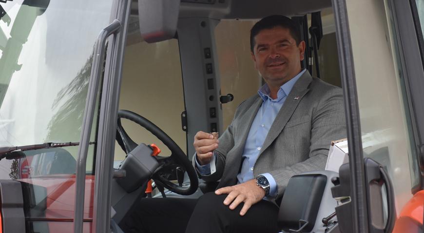 FOTO: Vozni park Općine Orle bogatiji za traktor vrijedan više od pola milijuna kuna