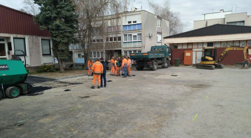 Asfaltirano novouređeno parkiralište u Križu