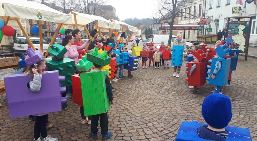 Na trgu u Krašiću održan dječji maskenbal