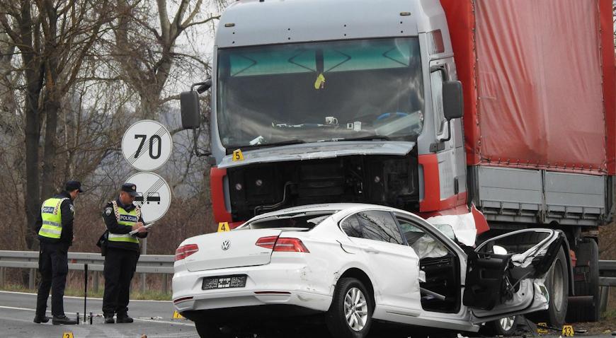 U sudaru kamiona i automobila kod Zaprešića poginula jedna osoba