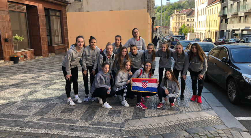 Mlade dugoselske rukometašice na jakom međunarodnom turniru u Pragu