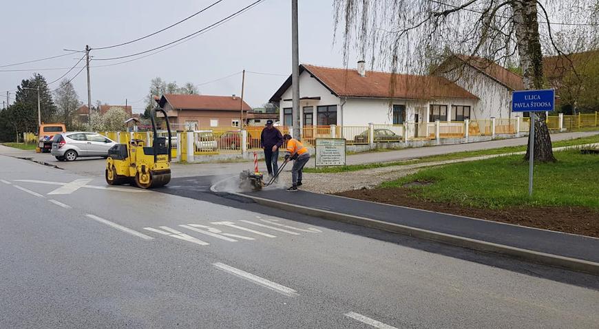 FOTO: Ulica Pavla Štoosa dobila nogostup
