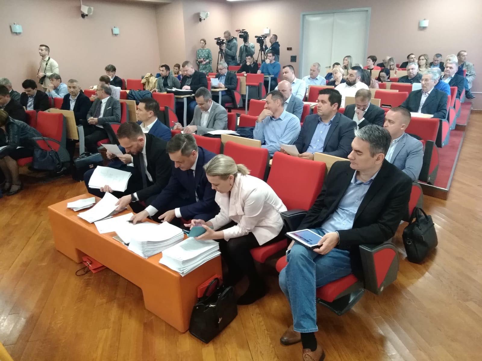 """Pitanje """"ležećih policajaca"""" na području Velike Gorice"""
