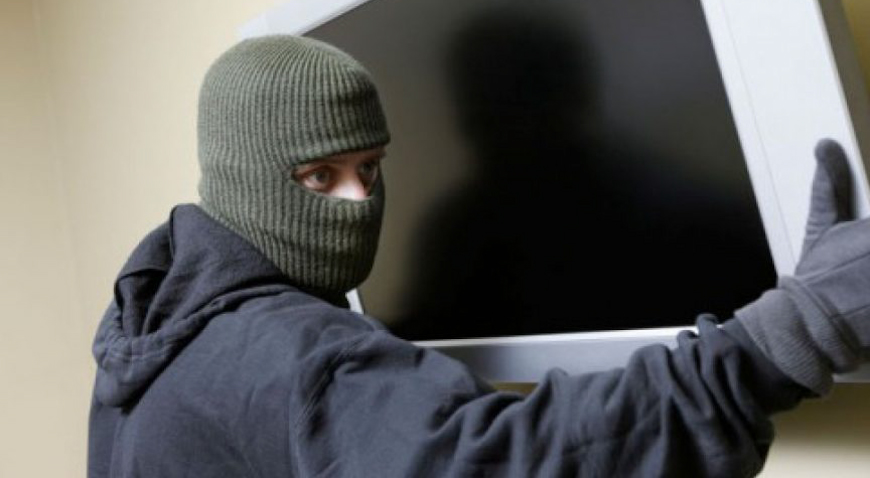 U Krečavesi iz kuće ukradene stvari vrijedne više desetaka tisuća kuna