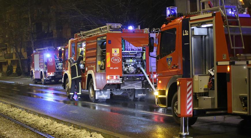 Dvoje ljudi ozlijeđeno u požaru stana na Trešnjevci