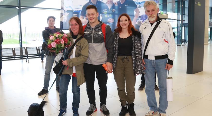 Srebrni Tin Srbić stigao kući