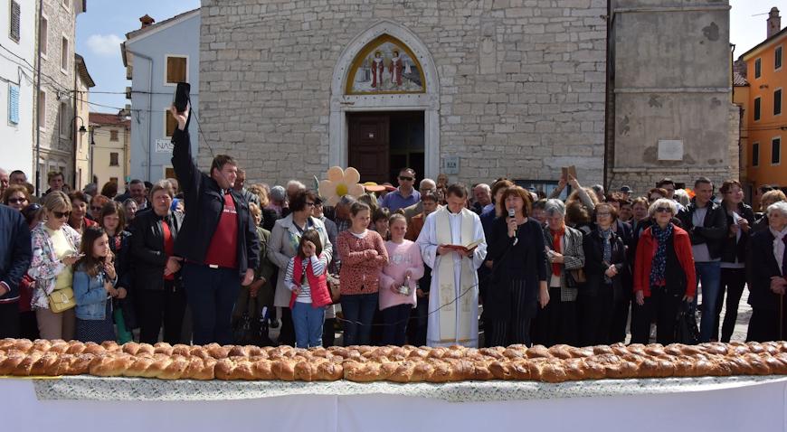 Fažana: Uskrsni doručak uz pincu dugačku 10 metara