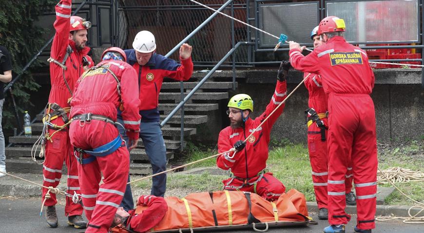 HGSS održao vježbu evakuacije unesrećenih iz stambenih objekata