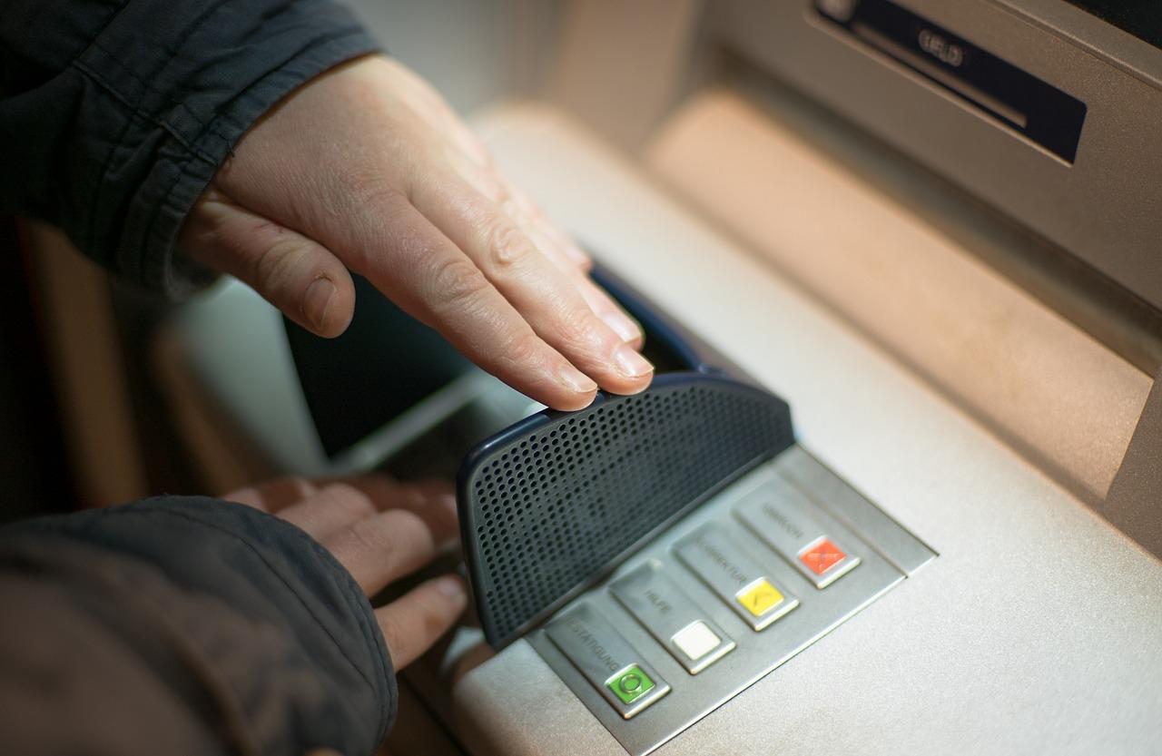 Uplaćivao krivotvoren novac, a potom iz banke podizao pravi – Šteta 37 tisuća kuna