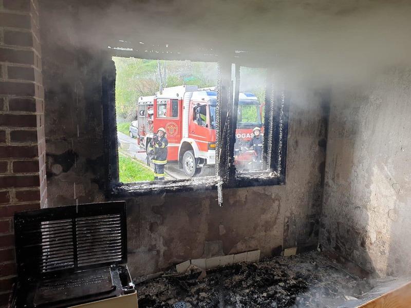 U gašenju požara ozlijeđen 68-godišnjak