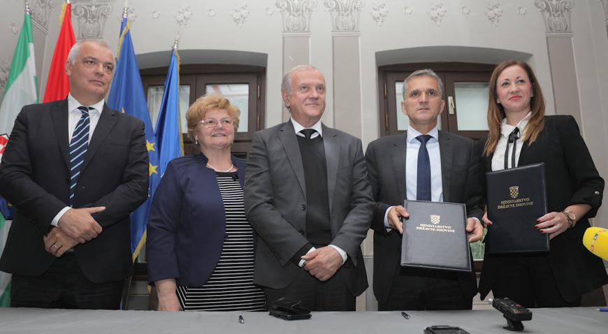 Centar za socijalnu skrb Ivanić-Grad od države dobio na korištenje vrijednu nekretninu
