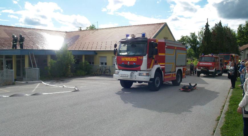 FOTO: Brdovečki vatrogasci spašavali objekt Dječjeg vrtića Maslačak