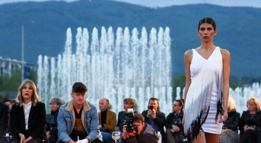 FOTO: Modna revija na zagrebačkim fontanama