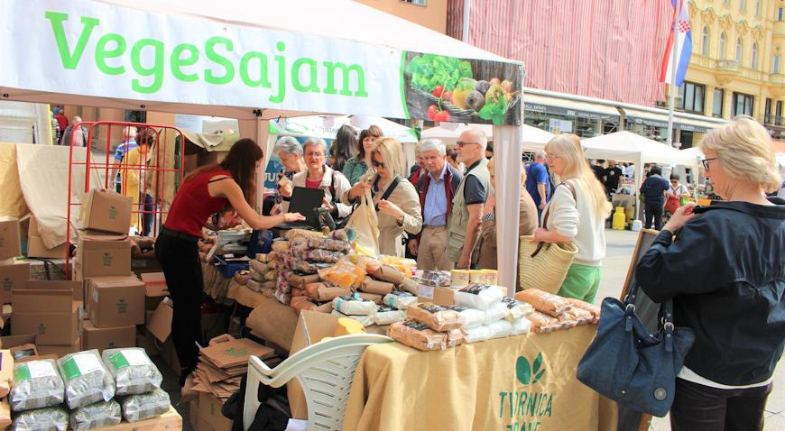 VegeSajam okupio dvadesetak proizvođača zdrave hrane