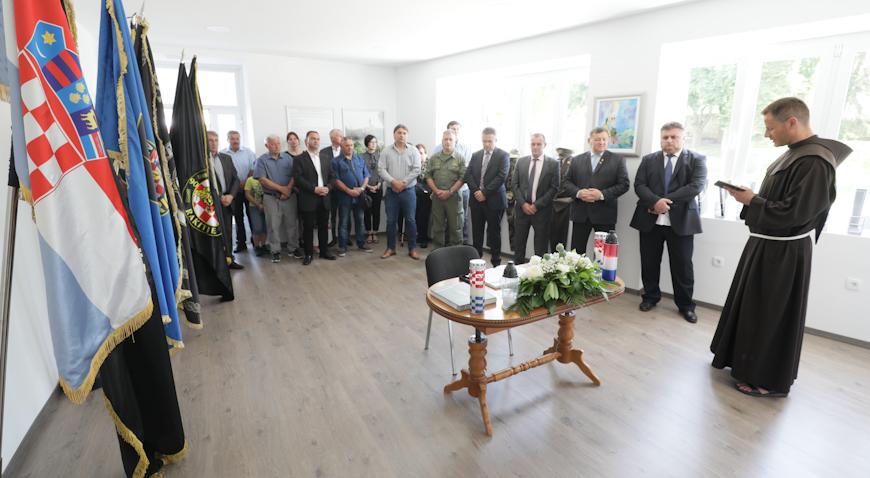 FOTO: Kloštar Ivanić dobio memorijalnu sobu branitelja