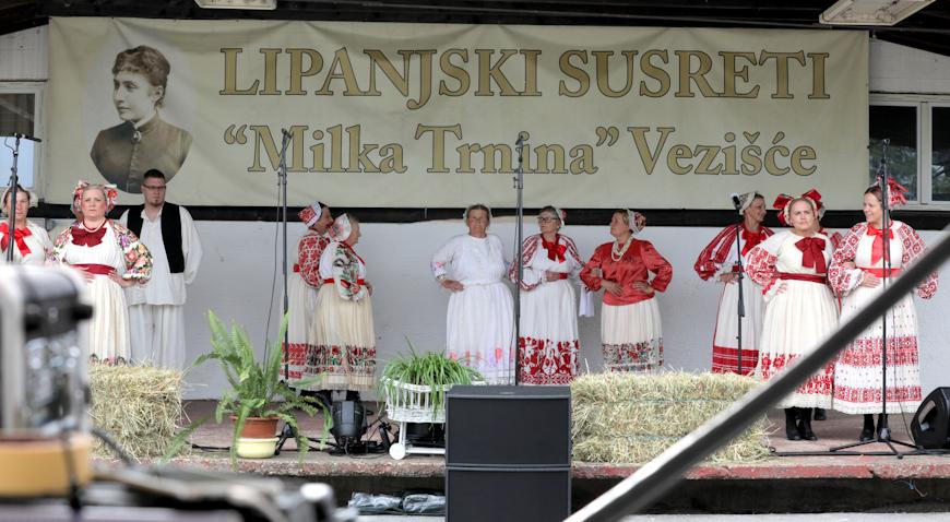 FOTO: Raspjevani i rasplesani Lipanjski susreti u Vezišću