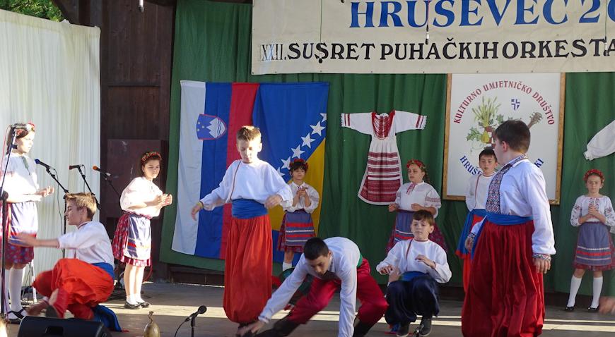 FOTO: Susreti u Hruševcu Kupljenskom okupili 400 izvođača