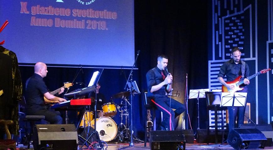 Marko Tolja zapjevao na glazbenim svetkovinama u Zaprešiću
