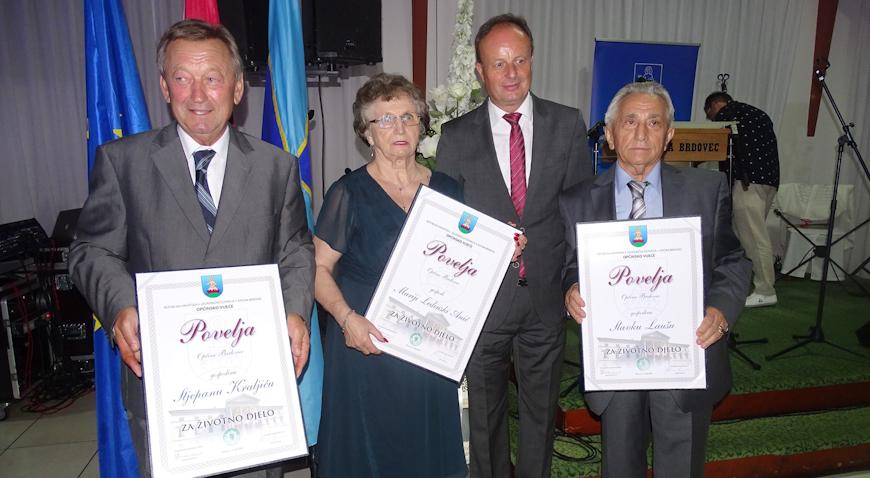 FOTO: Stjepan Kraljić, Slavko Lauš i Marija Ledinski Anić primili nagrade za životno djelo Općine Brdovec