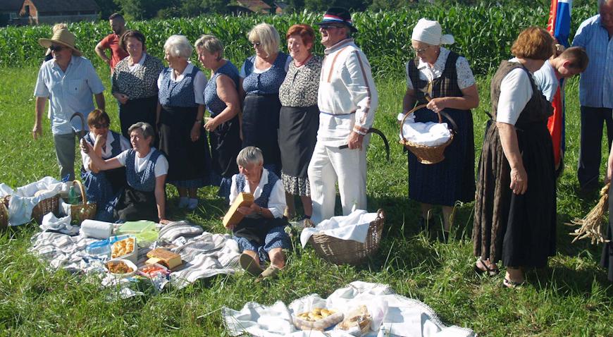 """FOTO: Žetvene svečanosti uz tradicionalni """"likof"""""""