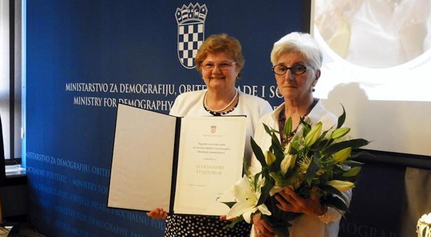 Aleksandri Štajduhar nagrada za životno djelo u promicanju i obavljanju udomiteljstva