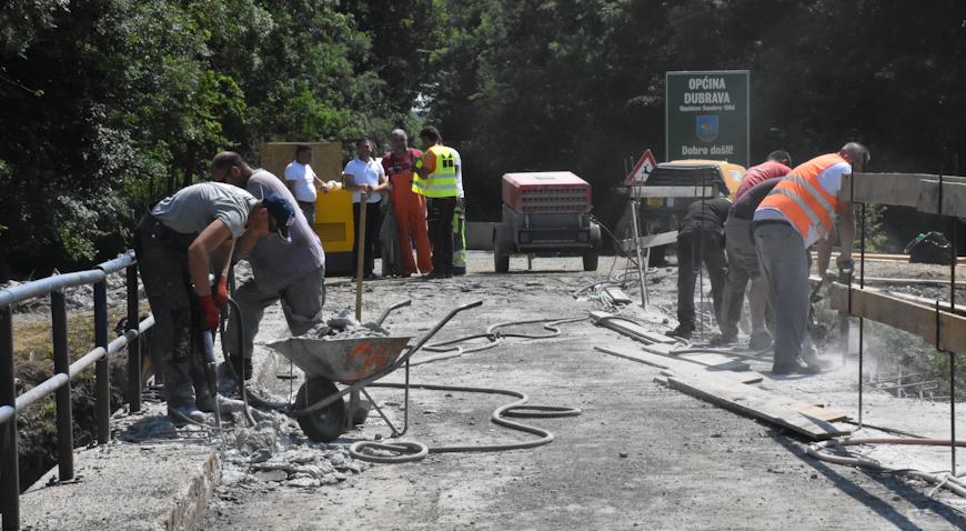 FOTO: Radovi na mostu na Črncu napreduju svakim danom