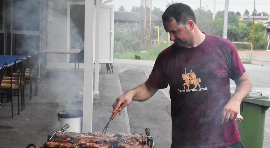 Rugvički majstor roštilja