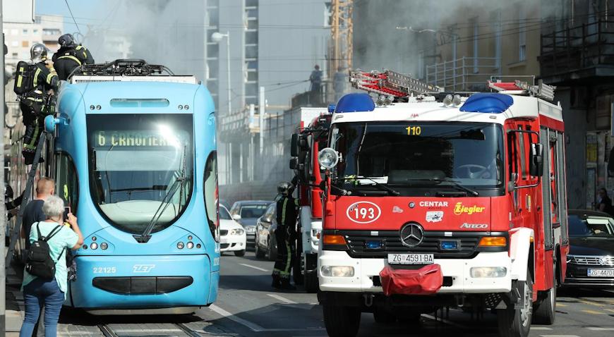 Na krovu tramvaja došlo do požara