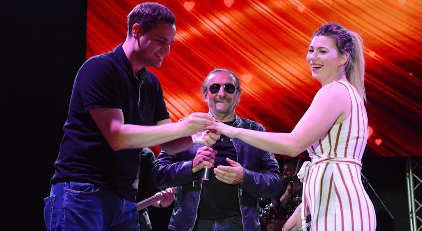 VIDEO: Zaprosio djevojku na koncertu Željka Bebeka u Križevcima