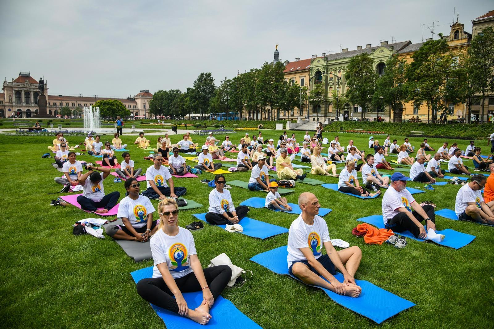 VIDEO: Na Tomislavcu vježbanjem obilježen Međunarodni dan joge