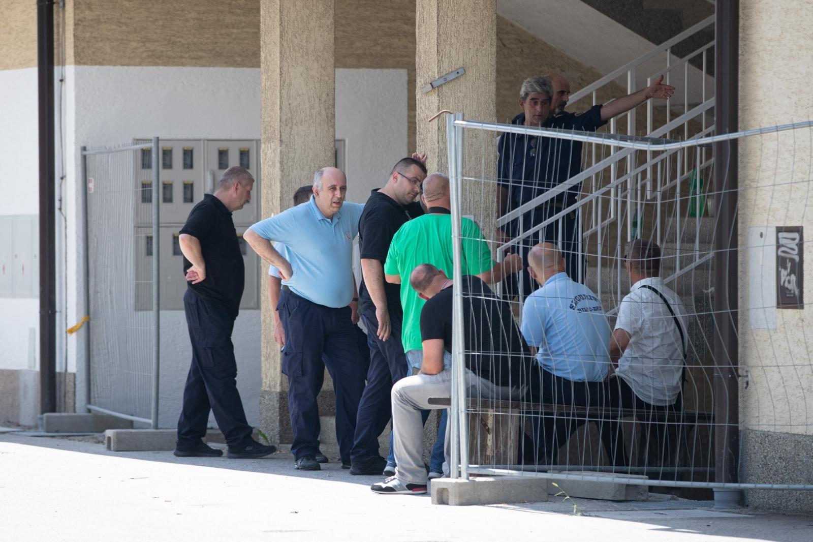 PROSVJEDI U NOVOM PETRUŠEVCU – Policija privela 10 osoba