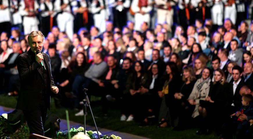 FOTO: Miroslav Škoro održao spektakularni koncert kod fontana
