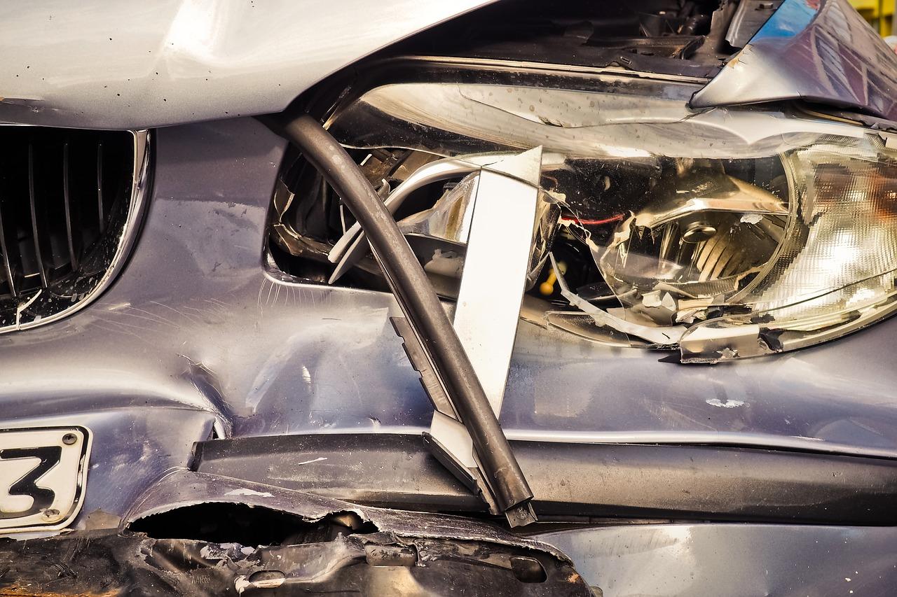 Teško ozlijeđen mladić u prometnoj nesreći u Dugom Selu