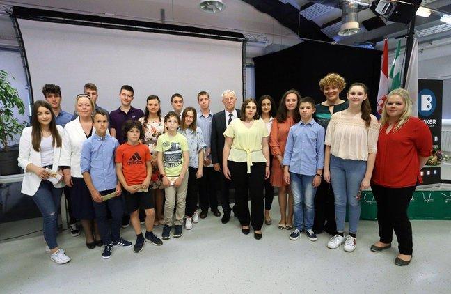 Nagrađeni najbolji učenici osnovnih i srednjih škola