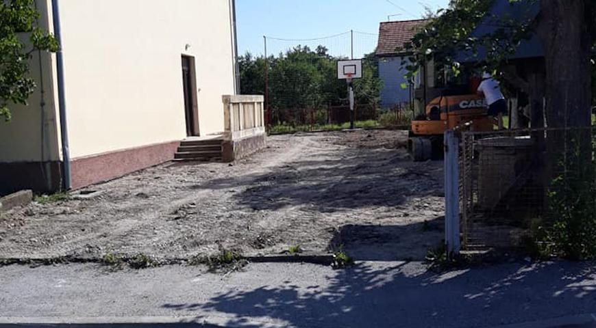 Kod Područne škole u Igrišću započela obnova školskog dvorišta