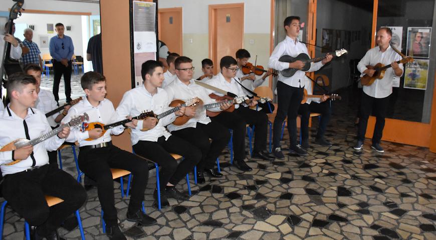 VIDEO/FOTO: Glazbena škola Dugo Selo oduševila još jednom svojim nastupom