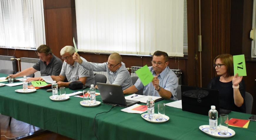 Ivanićgradski vijećnici otišli na odmor – Odobrena dva kreditna zaduženja