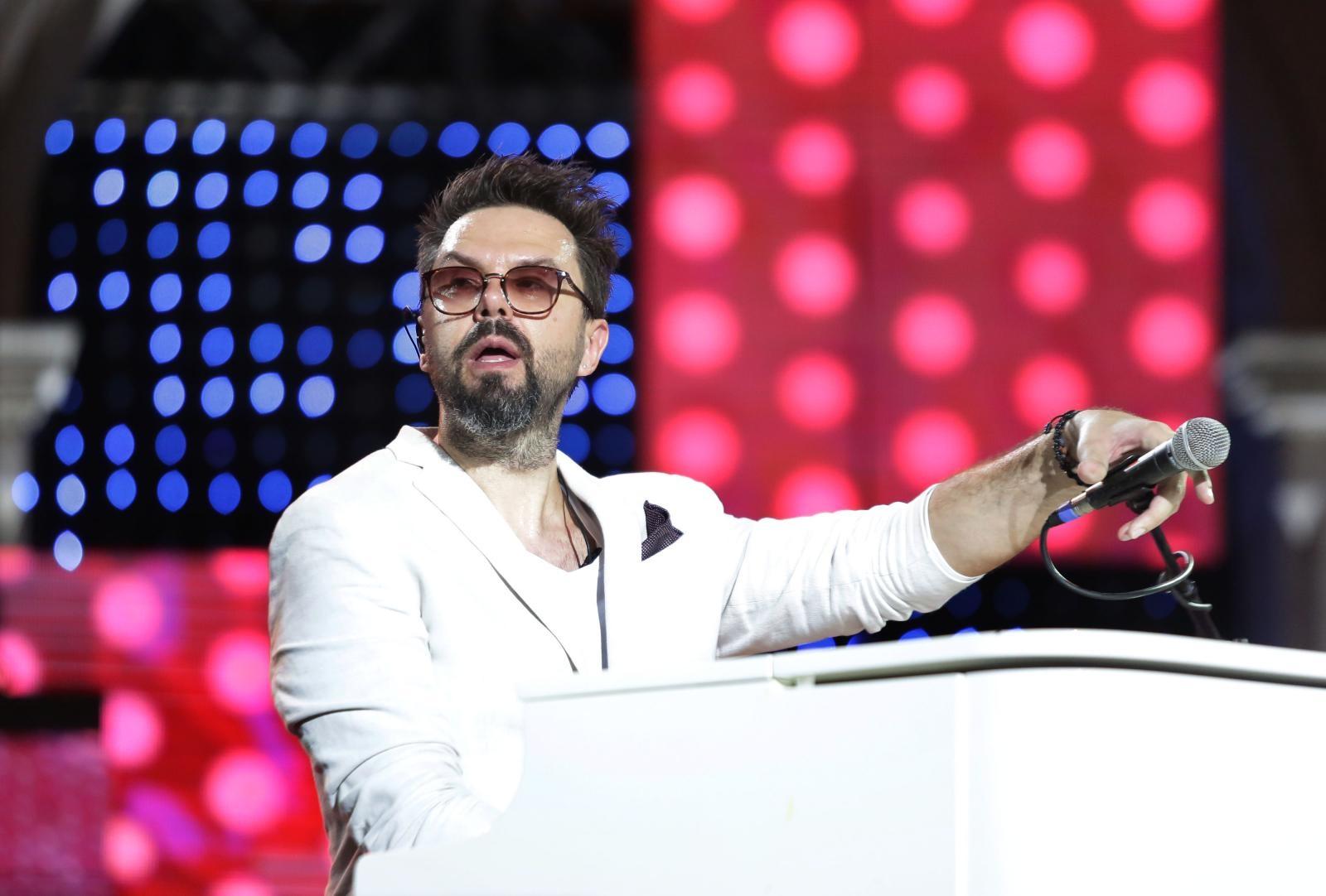 VIDEO: Koncertom Petra Graše započelo 59. izdanje Splitskog festivala