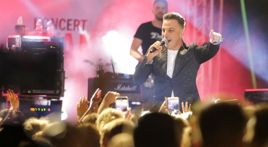 FOTO: Cjelodnevna proslava u Dugom Selu završila uz sjajan koncert Ivana Zaka