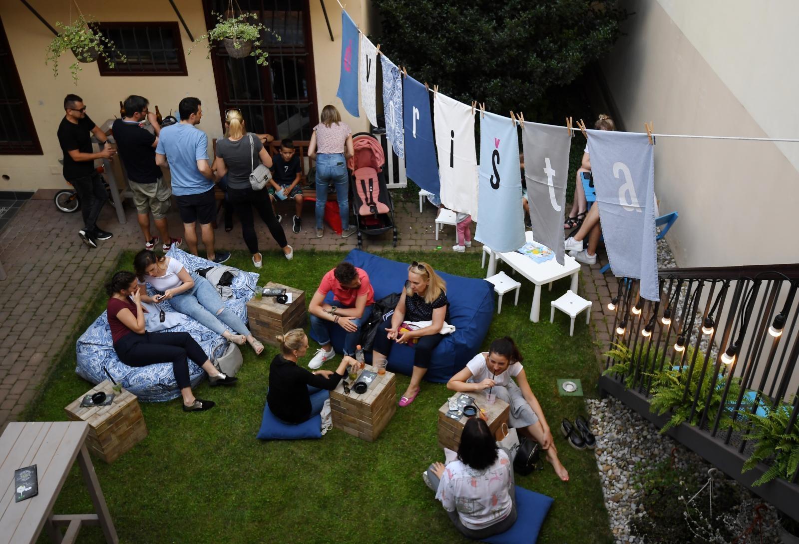 VIDEO: Obiđite Dvorišta, pa makar i virtualno
