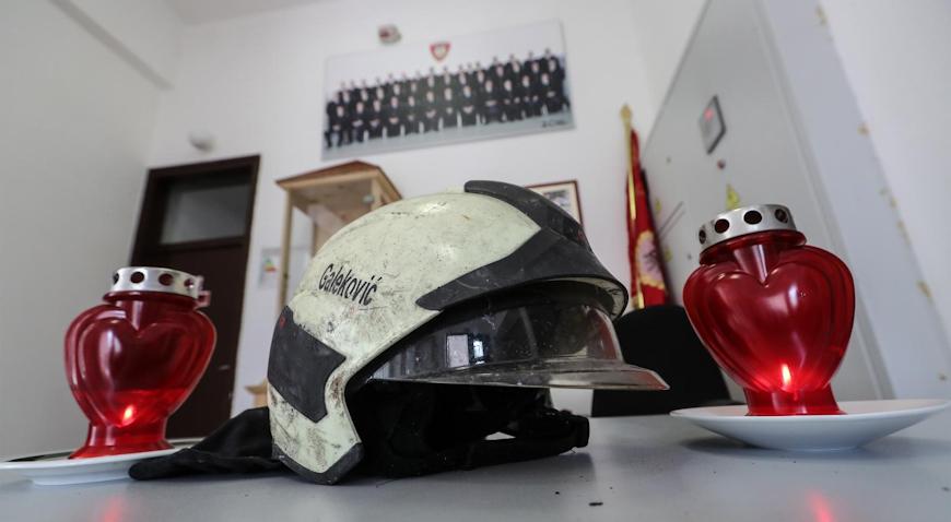 Svi se opraštaju od tragično preminulog vatrogasca